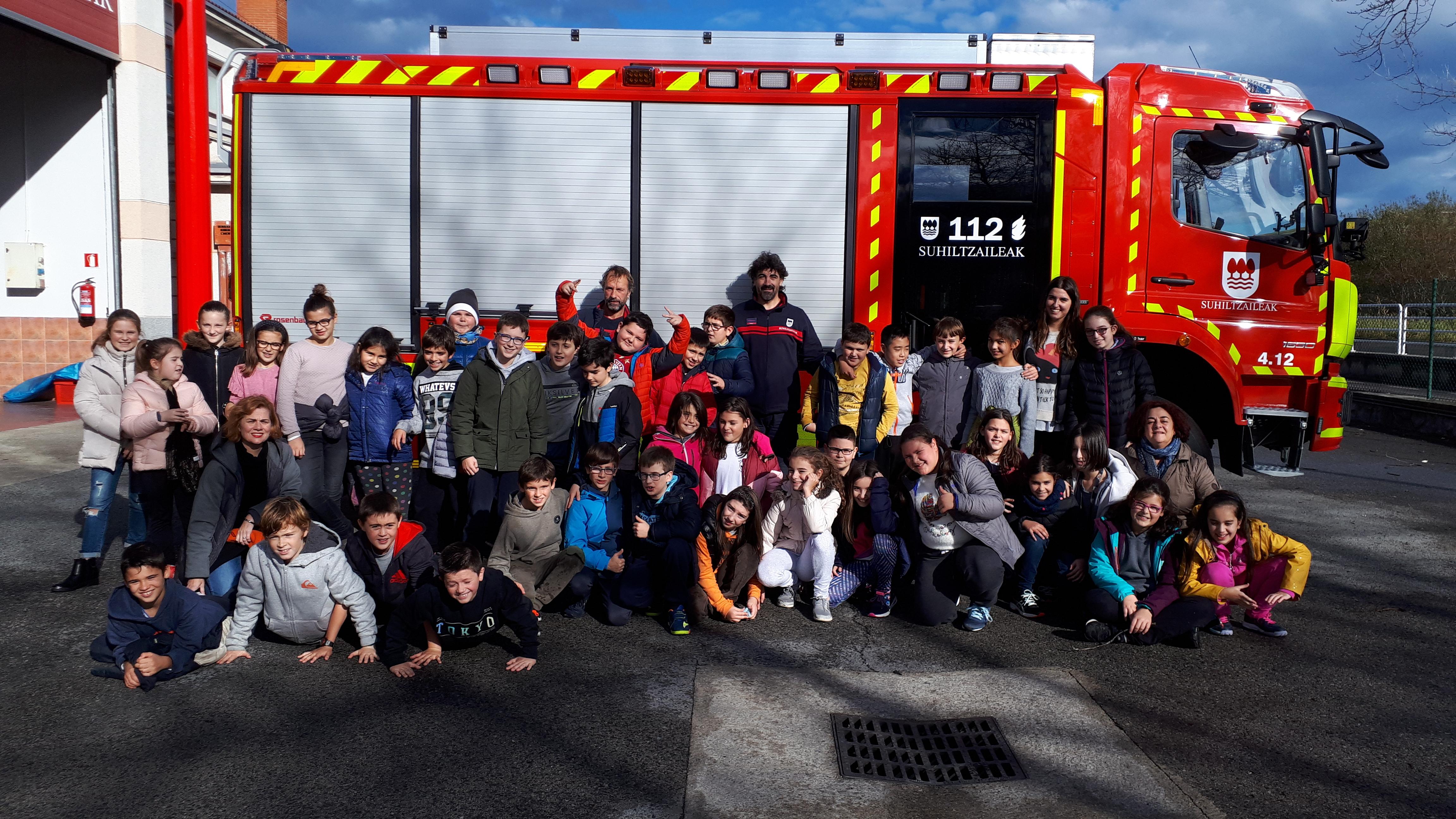 Visita de 5º al parque de bomberos